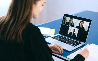 ¿Cómo medir la experiencia del empleado/a a distancia?